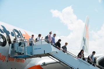 Người lao động thu nhập thấp có cơ hội bay Đà Nẵng- Singapore với Jetstar chỉ với 1,4 triệu đồng