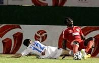 Tuyển thủ quốc gia Thanh Hào vào bóng thô bạo khiến Abass gãy chân