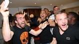 Cầu thủ Leicester City vỡ òa,  Ranieri gọi điện cảm ơn Guus Hiddink vì chức vô địch