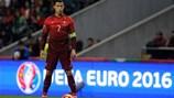 Mặt nạ Ronaldo