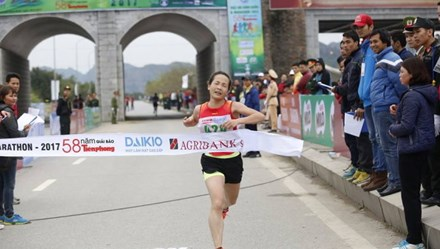Giải Việt dã toàn quốc và marathon Báo Tiền Phong: Nữ VĐV Quân đội phá thành tích HCV SEA Games