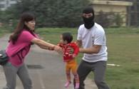 Video: Kỹ năng cần thiết cứu trẻ khỏi kẻ bắt cóc