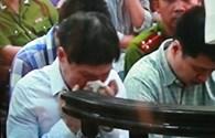 Cựu đại tá Dương Tự Trọng bật khóc trước tòa