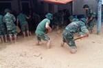 Video: Bùn đất khổng lồ phủ kín đường ở Hạ Long, Quảng Ninh