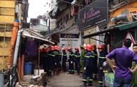 Chùm ảnh: Cập nhật trực tiếp từ hiện trường trong vụ nhà sập ở Trần Hưng Đạo
