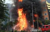 Chùm ảnh: Hiện trường quán Karaoke cháy dữ dội ở Cầu Giấy