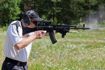 """""""Soi"""" từng chi tiết súng trường AK-12 cho đội tinh nhuệ của Nga"""