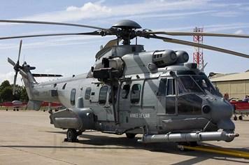 Trực thăng đa nhiệm EC725 Cougar đáng sợ cỡ nào?