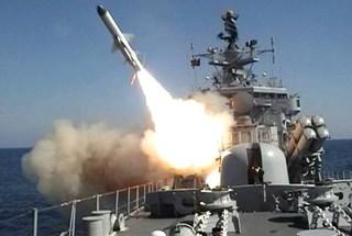 """Xem """"sát thủ diệt hạm"""" tiên tiến Kh-35 trang bị trên tàu tên lửa Nga"""