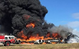 """Tìm hiểu """"siêu máy bay"""" thả bom huyền thoại B-52 vừa rơi bốc cháy ngùn ngụt ở Mỹ"""