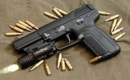 Tìm hiểu về súng lục - loại súng ngắn đầu tiên có cơ chế nạp đạn liên tục