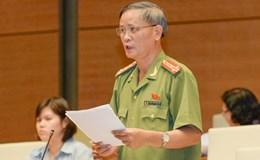 Chen lấn kinh hoàng tại Đền Hùng: Không nên cho trẻ em đến nơi quá đông người
