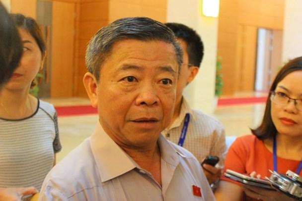 Ông Võ Kim Cự trả lời phỏng vấn của Lao Động sáng 25.7 (Ảnh: T.Chung)
