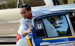 Hoan hô: Khoán xe công, Thứ trưởng Bộ Tài chính đi làm bằng taxi