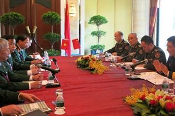 Việt Nam - Trung Quốc gặp gỡ bên lề Đối thoại Shangri-La