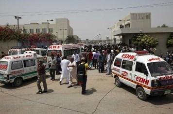 Khủng bố xả súng sát hại 19 hành khách trên xe buýt tại Pakistan