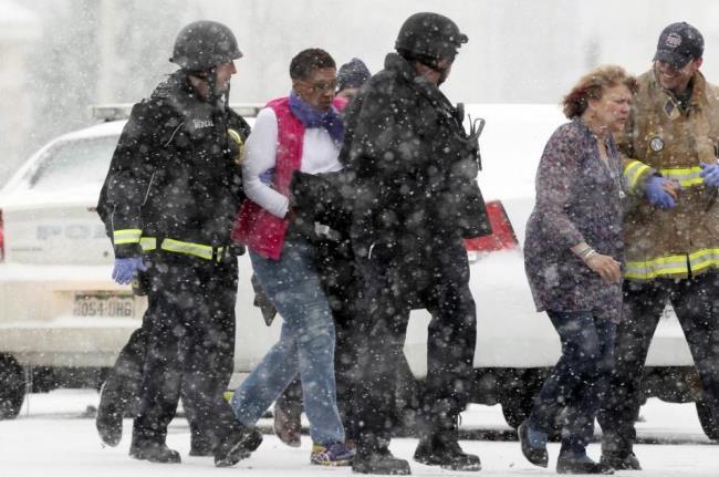 Mỹ: Xả súng vào phòng khám thai, ít nhất 9 người bị thương