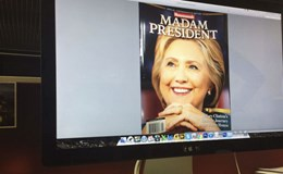 """Tạp chí Mỹ gọi nhầm bà Hillary Clinton là """"tổng thống"""""""