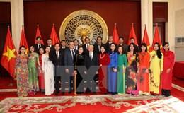 Tổng Bí thư thăm Đại sứ quán Việt Nam ở Trung Quốc