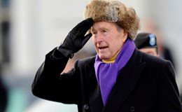 Cựu Tổng thống Bush cha phải nhập viện