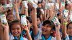 Quỹ sữa Vươn cao Việt Nam và Vinamilk: Tiếp tục trao tặng sữa cho trẻ em tại Cần Thơ