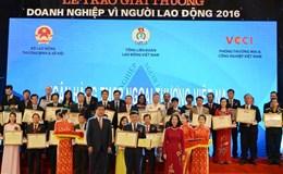"""Vietcombank được trao giải """"Doanh nghiệp vì người lao động"""" lần thứ 3 liên tiếp"""