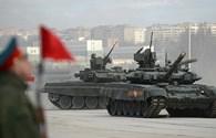 Vũ khí hạng nặng hiện đại của Nga diễn tập cho lễ diễu hành 70 năm Ngày Chiến thắng