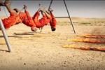 Ghê rợn, vô nhân đạo cảnh chiến binh IS thiêu sống tù nhân