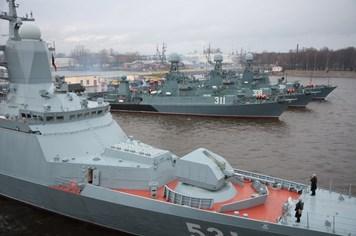 Tàu chiến mới nhất của Nga bắn tên lửa trên biển Baltic