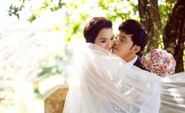 Ưng Hoàng Phúc nồng nàn khóa môi vợ trong ảnh cưới