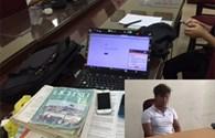 Bắt hai đối tượng soạn và đọc đáp án vào phòng thi môn Lịch Sử qua kết nối di động