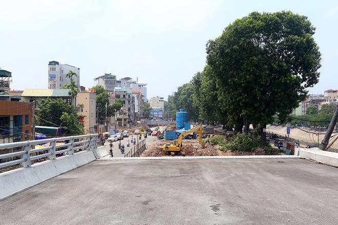 Sau vụ tai nạn: Tạm dừng dự án nút giao thông Cầu Giấy
