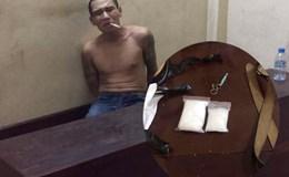 Hà Nội: Bắt nóng đối tượng ôm ma túy bỏ chạy gần BV Thanh Nhàn