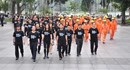 Á hậu Thụy Vân cùng hàng trăm người đi bộ hưởng ứng Giờ Trái Đất