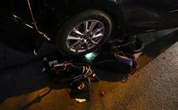 Xế hộp mất lái, gây tai nạn liên hoàn khiến một học sinh phải nhập viện
