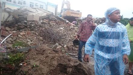 Sập nhà giữa trung tâm Đà Nẵng, 2 người chết - ảnh 1