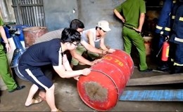 Đà Nẵng: Phát hiện hơn 2.000 lít xăng dầu lậu giữa khu dân cư