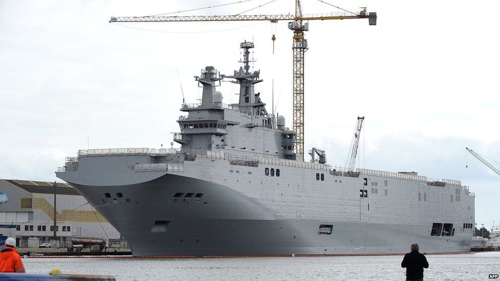Tổng thống Hollande bác thông tin Pháp đã đồng ý bồi thường hợp đồng tàu Mistral cho Nga