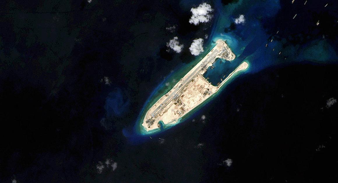 Thượng nghị sĩ John McCain thúc giục  tàu chiến Mỹ hoạt động trong vùng 12 hải lý từ các đảo nhân tạo Trung Quốc xây dựng