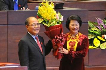 """Báo chí nước ngoài gọi bà Kim Ngân là nhà lãnh đạo """"xứng đáng"""""""