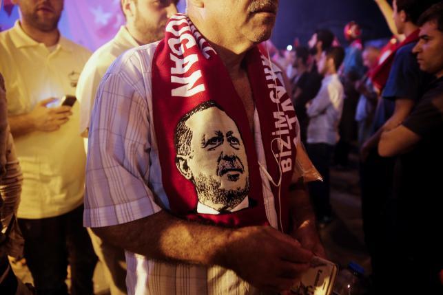 Tổng thống Thổ Nhĩ Kỳ thanh trừng ồ ạt hơn 50.000 người sau đảo chính - ảnh 1