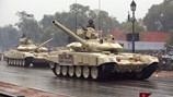 Ấn Độ triển khai 100 xe tăng đến biên giới tranh chấp với Trung Quốc