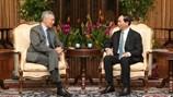 """Thủ tướng Singapore """"khoe"""" ảnh gặp Chủ tịch Việt Nam Trần Đại Quang"""