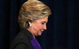 """Bà Clinton """"đau lòng"""" vì thất bại"""