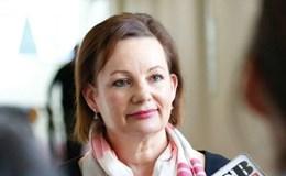 Bộ trưởng Australia bị đình chỉ chức vụ vì cáo buộc nhập nhèm công tư