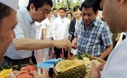 """Ông Abe thực thi ngoại giao """"quyền lực mềm"""" với ông Duterte"""