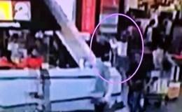 Nghi phạm Đoàn Thị Hương không thể bôi chất độc VX lên mặt nạn nhân bằng tay trần