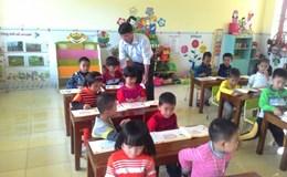 """Mất cân đối nghiêm trọng cơ cấu đội ngũ giáo viên tại Nghệ An: Tâm tư của nam giáo viên đi """"trông trẻ"""""""