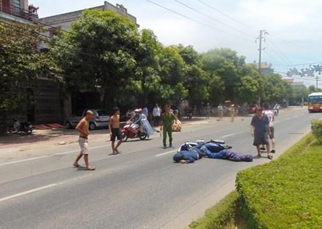 Lái xe máy quá tốc độ, tông trung úy CSGT bị thương