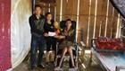 Trao 2 triệu đồng hỗ trợ nạn nhân bị tai nạn lao động liệt chân